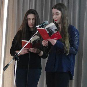 Schüler gestalten Gottesdienst zum Holocaust-Gedenktag